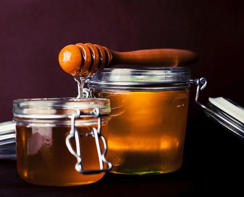 poche gocce di miele per proteggere la biodiversità